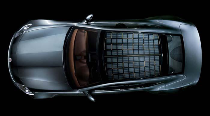 Auto met zonnepanelendak