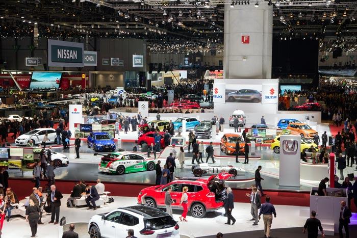 Bovenaanzicht van de autoshow in Genève